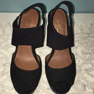 Donald J. Pliner Black Wedges